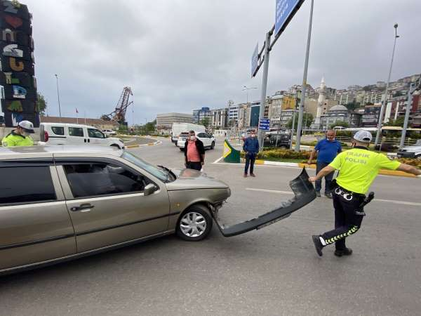 Zincirleme trafik kazasında üç araç birbirine girdi