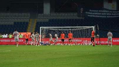 Galatasaray'ın galibiyet hasreti 5 maça çıktı
