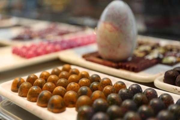 Kibele çikolata markası oldu