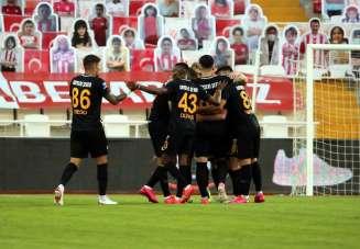 Süper Lig: Sivasspor: 0 - Kayserispor: 1 (İlk yarı)