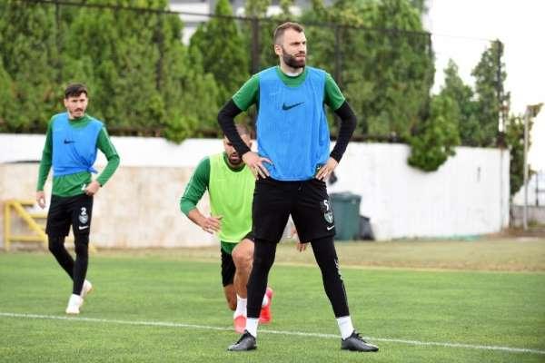 Mustafa Yumlu futbol kariyerini Denizlispor'da noktalamak istiyor