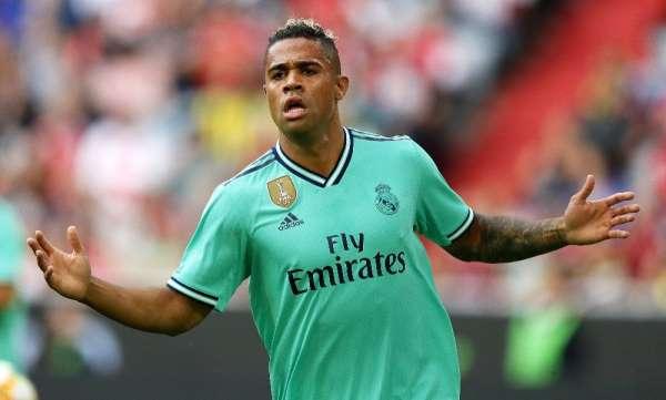 Real Madrid'de Mariano Diaz'ın korona virüs testi pozitif çıktı