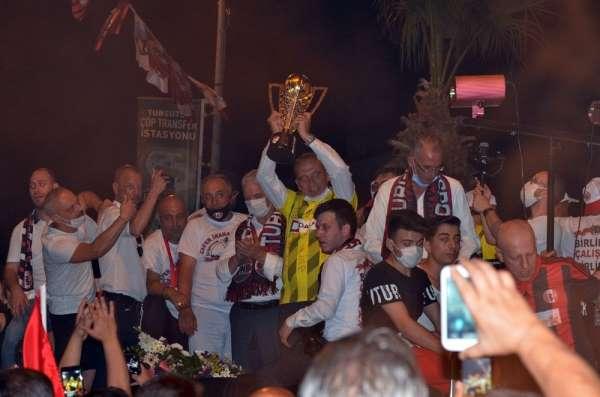 Şampiyonlar Turgutlu'da