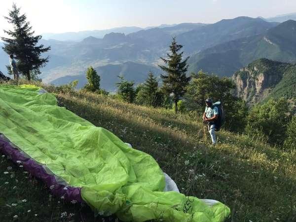 Yamaç paraşütü sporcuları bu kez uçuş alanları tespit etmek için atladı