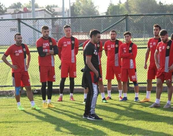 Eskişehirsporda Mustafa Özer ile yollar ayrıldı