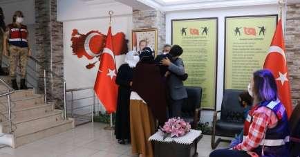 Terör örgütü tarafından kandırılan bir kişi daha ikna edilerek Türkiye'ye getiri