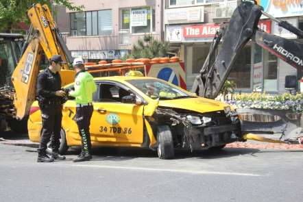 Beşiktaş'ta zincirleme kaza:1 yaralı