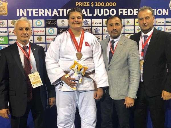 Milli judocu Hilal Öztürk dünya üçüncüsü oldu
