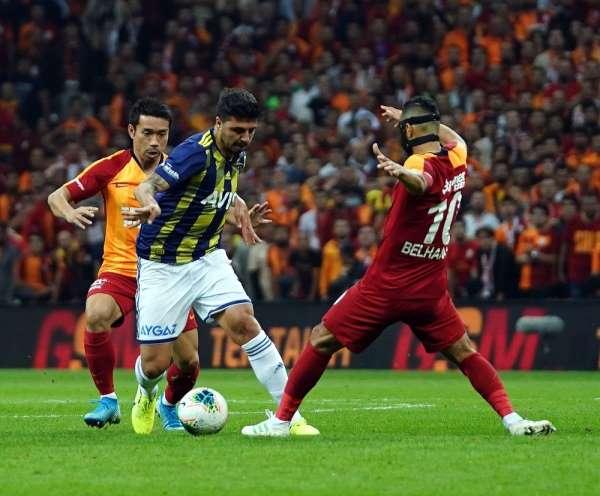 Süper Lig: Gaatasaray: 0 - Fenerbahçe: 0 (İlk yarı)