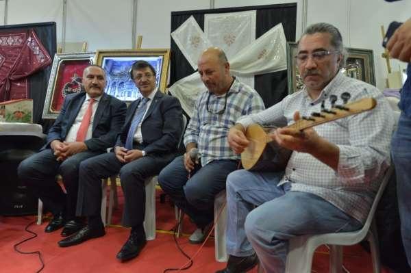 Türkmenoğlu'ndan turizm fuarına övgü