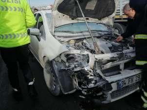 Kaza yapan otomobili küle dönmekten itfaiye kurtardı