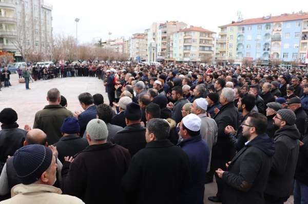 Karaman'da İdlib şehitleri için gıyabi cenaze namazı kılındı