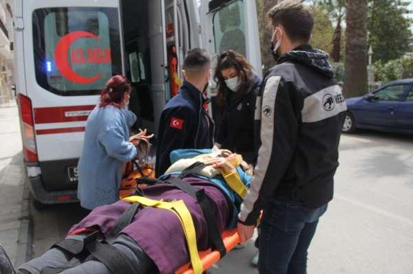 Sinopta merdivenden düşen yaşlı kadın hastanelik oldu
