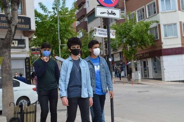 15-20 yaş grubu 3 kez sokağa çıktı