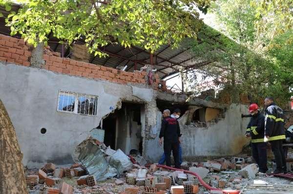 Müstakil evde patlama: 1 ağır yaralı