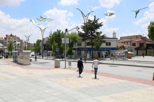 Kırşehirde esnaf ve vatandaş kısıtlamalı son hafta sonu beklentisinde