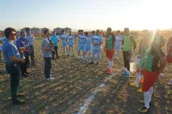 Atıl vaziyette bulunan ilçe stadının açılışı dostluk maçı ile yapıldı