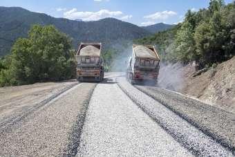 Mersin'de yayla sezonu başladı asfalt çalışmaları hız kazandı