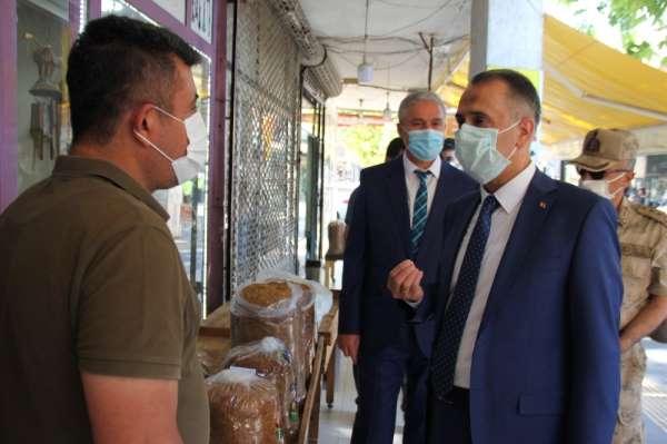 Vali Çuhadar: 'Tütün üreticilerine zarar verecek bir durum yok'