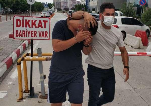 Polisi görünce uyuşturucu poşetini attı, yakalanmaktan kurtulamadı
