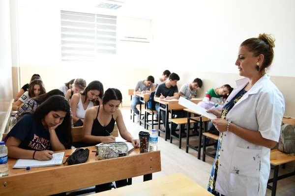 Çiğli Belediyesinden üniversite adaylarına tercih danışmanlığı