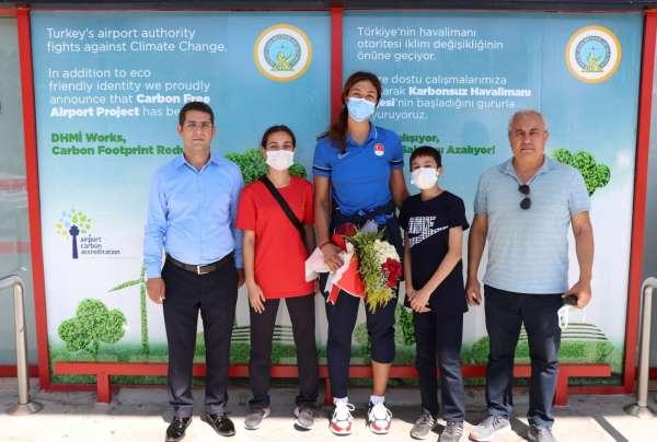 Olimpiyat sporcusu Nafia Kuşa moral karşılaması