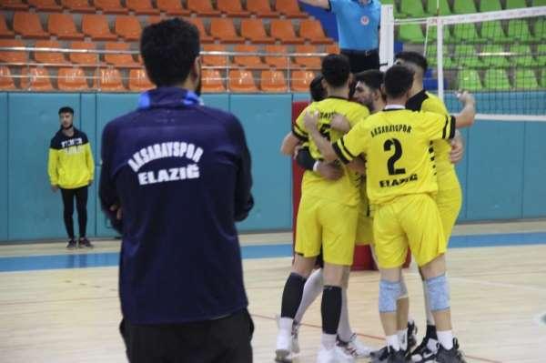 Voleybol 2. Lig: Elazığ Aksaray Gençlik: 0 - Seyhan Belediye: 3