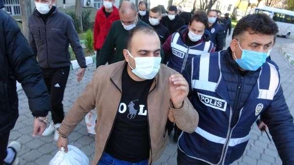 'İzmir depremine yardım' bahanesiyle iş adamlarını dolandıran 13 kişi adliyede