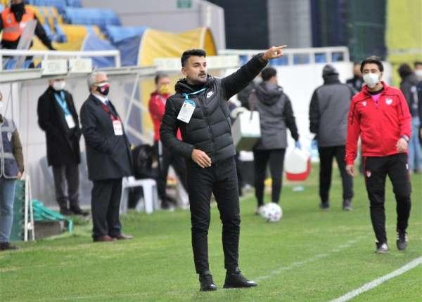 Menemenspor'da teknik direktör Cenk Laleci ile yollar ayrıldı
