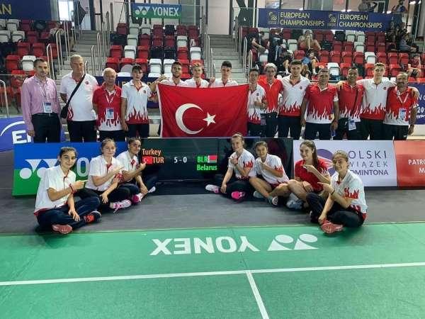 Milli badmintoncular Polonya'da Türkiye'yi temsil edecekler
