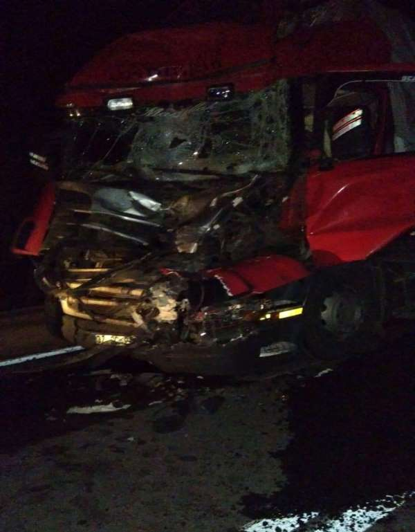 Sinop'ta iki kamyon çarpıştı: 1 yaralı