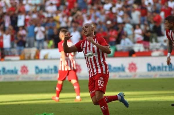 Süper Lig: Antalyaspor: 1 - Yeni Malatyaspor: 0 (İlk yarı)