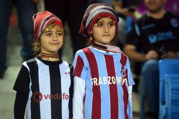 Süper Lig: Trabzonspor: 0 - Beşiktaş: 0 (Maç devam ediyor)