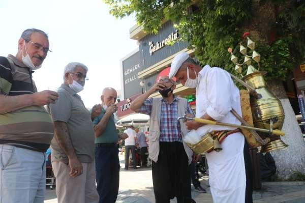 Malatyalılar, meyan kökü şerbeti ile serinliyor
