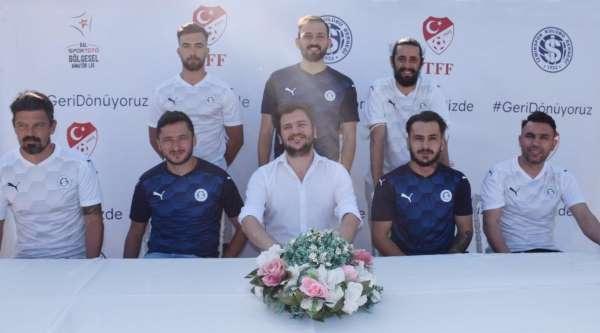 Sıra İzmirsporda
