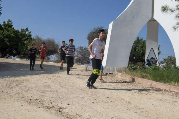 Mersin Büyükşehir Belediyesi, geleceğin sporcularını spor liselerine hazırlıyor