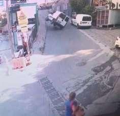 (Özel) İstanbul'da ilginç kaza kamerada