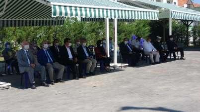 Uşak protokolü, Kurban Bayramı öncesinde şehitlik ziyaretinde bulundu
