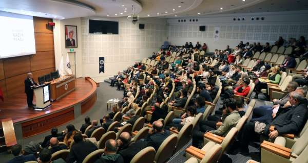 Atatürk Üniversitesinde Siyasette Kadın Paneli