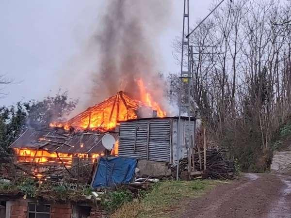 95 yaşındaki şahıs yangında can verdi