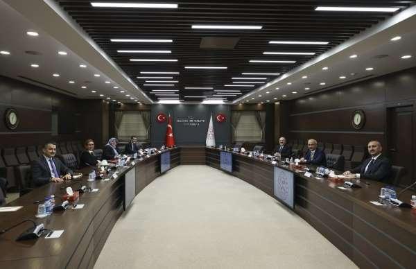 Bakan Elvan: 'Değerli Bakanlarımızla ekonominin genel görünümünü ve önümüzdeki d