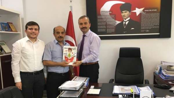 Cumhuriyet Ortaokulu English Magazine For Kids e-Twinning projesine ortak oldu