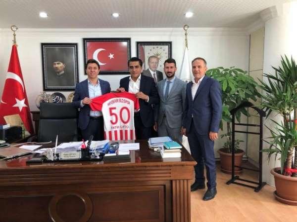 Acıgöl ve Gülşehir Belediye başkanları, Nevşehir Belediyespor'a destek verdi