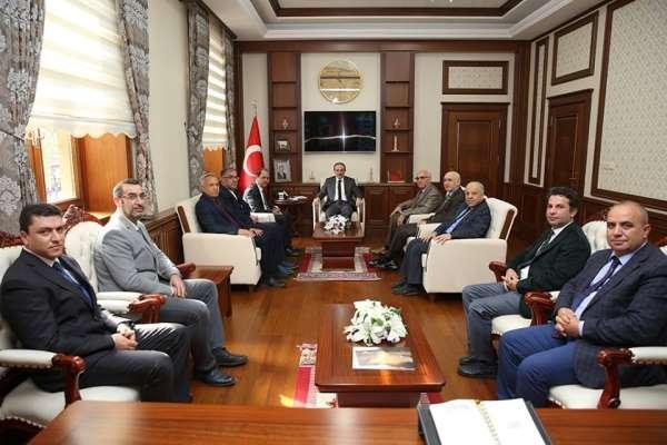 Bayburt Üniversitesi heyeti Vali Cüneyt Epcim'i ziyaret etti