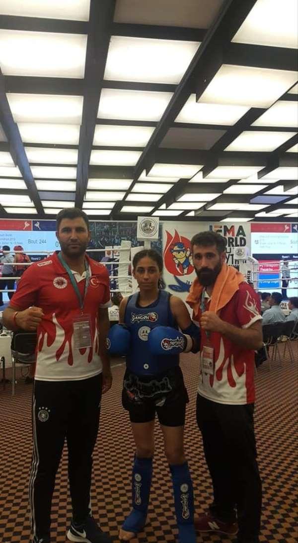 Nazlı Kaymaz Muaythai Dünya Şampiyonasında Yarı Finalde