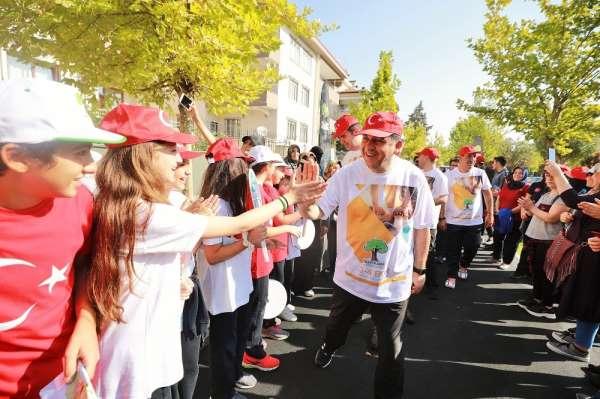 Şehitkamil'de yüzlerce kişi sağlık için adım attı