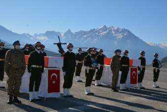 Hakkari'de şehit olan 2 asker için tören düzenlendi