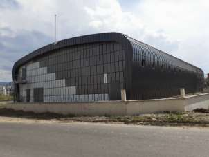 Kartepe İHL Spor Salonu'nun dış cephesi tamamlandı