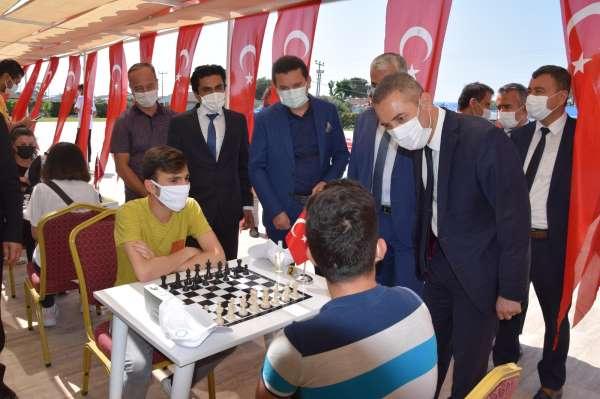 Kumlucada satranç turnuvası başladı