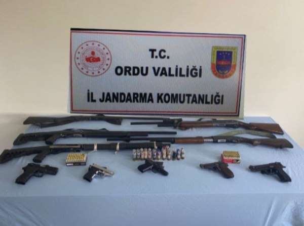 Orduda ruhsatsız silah operasyonu